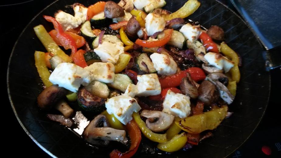 Gemüsepfanne mit Feta