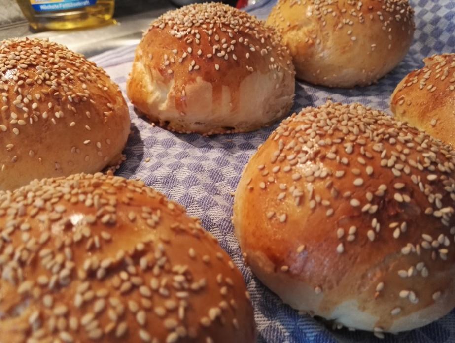 Burgerbrötchen (Buns)