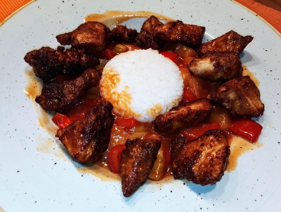 frittiertes Hähnchen süß-sauer