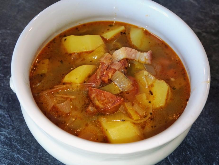 Spanische Kartoffelsuppe
